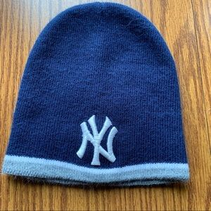 New York Yankees knit hat